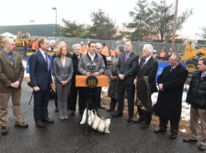 Governor Cuomo announces completion of rail laying for 13 mile Double  Track Project 01-12-2018