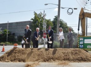"Taking part in the groundbreaking for the historic LIRR Expansion ""Third Track"" project on September 5  are (L-R) MTA Chief Development Officer Janno Lieber, Suffolk County Executive Steve Bellone, Governor Andrew M. Cuomo, Nassau County Executive Laura Curran, and LIRR President Phil Eng."