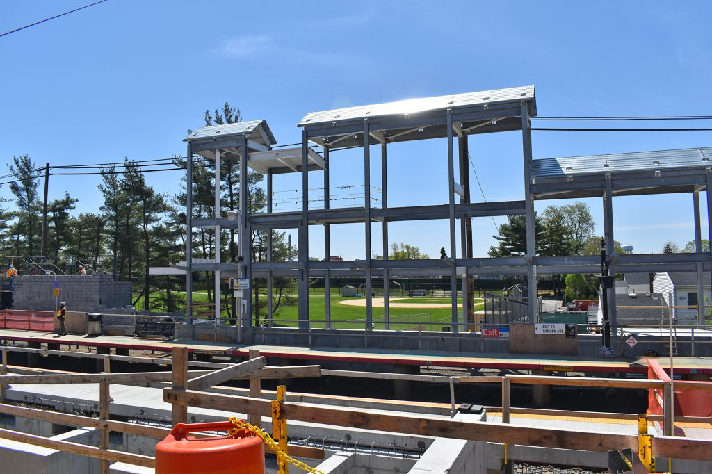 Carle Place station 05-08-20